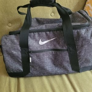 Nike gym bag with small Colts logo